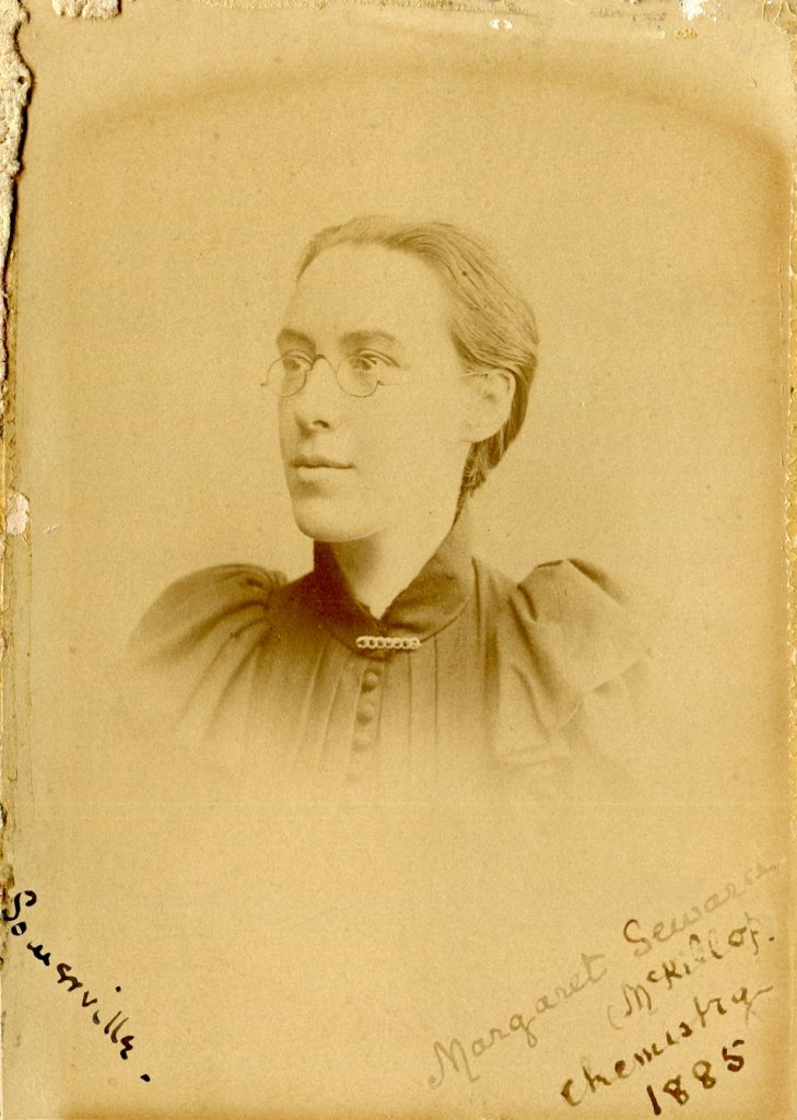 Margaret Seward, chemist. Taken at Somerville College, Oxford in 1885. CC-BY-SA, Somerville College Archives via Wikimedia Commons.